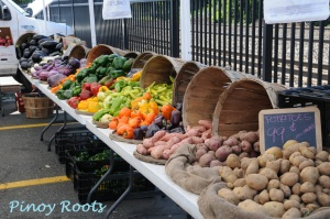 A rainbow of veggies at a farmers' market
